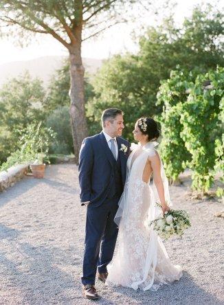 LesAnagnou_tuscany_wedding_style_me_pretty_feature_13