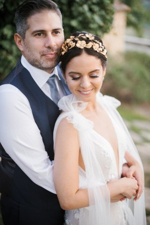 LesAnagnou_tuscany_wedding_style_me_pretty_feature_16