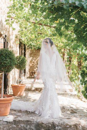 LesAnagnou_tuscany_wedding_style_me_pretty_feature_51