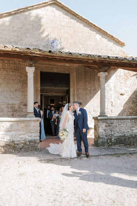 LesAnagnou_tuscany_wedding_style_me_pretty_feature_9
